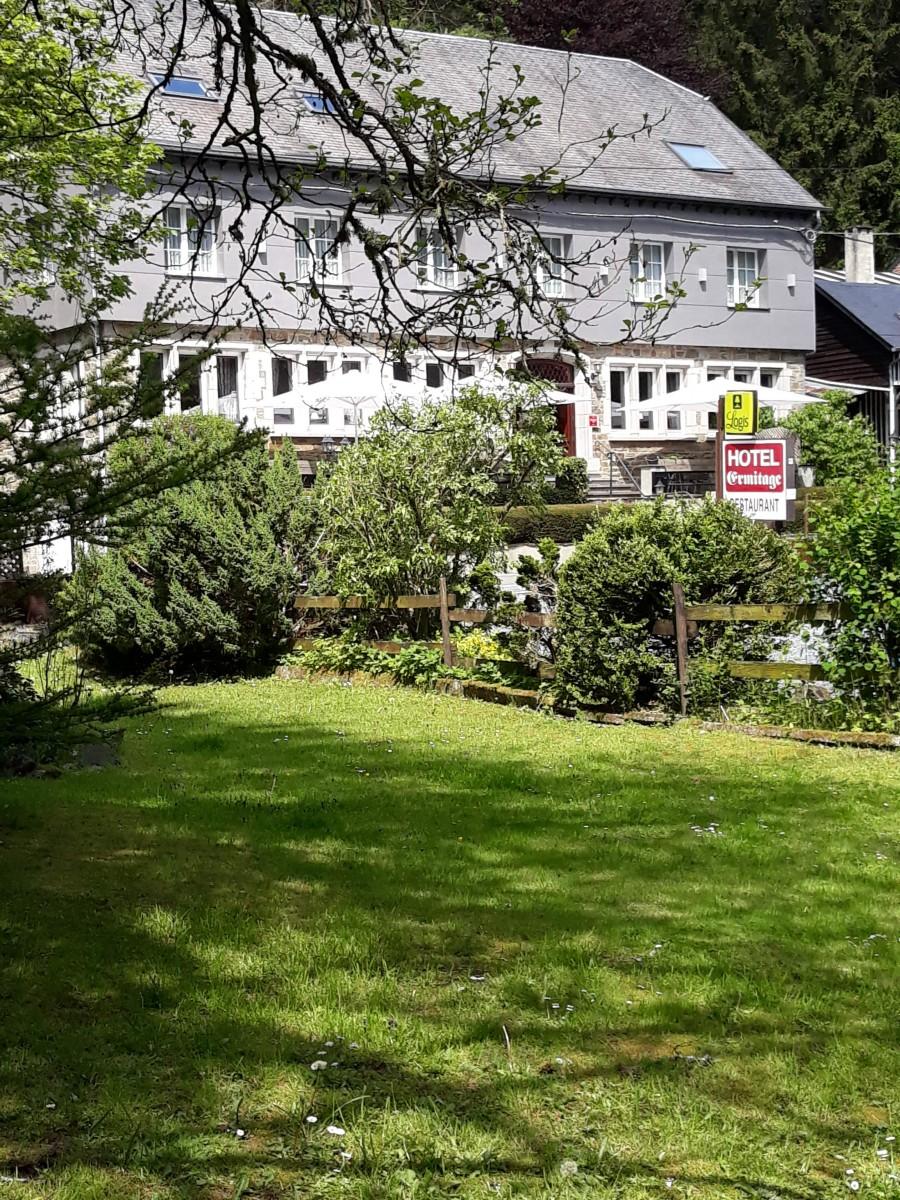 L'Ermitage, Bistrot des Saveurs - façade